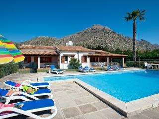 Villa Vora con 5 dormitorios y gran jardin, Port de Pollença