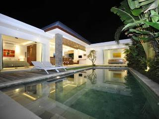 Complex of modern exotic and classy villas 7BR, Seminyak