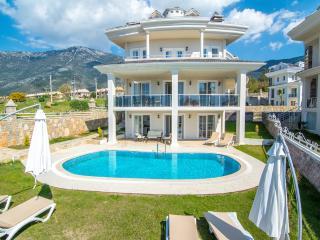 Villa De Barok in Fethiye / Oludeniz
