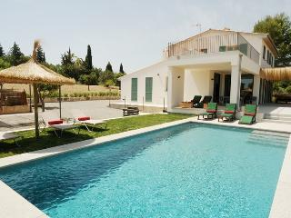 Villa Olivar. Newly built. Modern Stylish Interior. Free car included!
