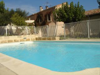 Gite de charme avec piscine : Le clos des muriers