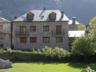 Casa Pirineo, Sahún