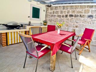 Apartment Vedran +Terrace and Weber Grill, Split