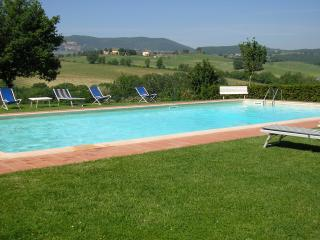 Lovely 2 bedroom holiday apartment in Tuscany, Montepulciano