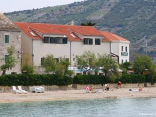 Apartments Jerko Primosten, beachfront, seaview