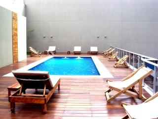 Sunny apartment w/swimming-pool, gym and security, Buenos Aires