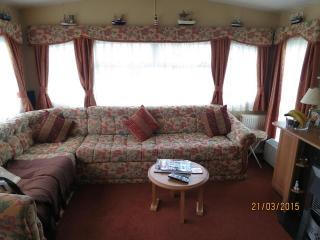 Broadland Sands 20387 beautiful caravan., Corton