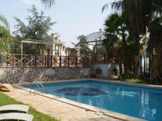 Big villa with private pool, Catania