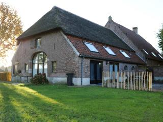 Farmhouse in city. Retreat close to nature reserve, Den Bosch
