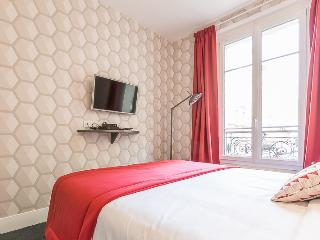 The Luxurious Little Paradise, París