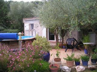 Studio au calme,terrasse sous l'olivier,piscine, Sollies-Pont
