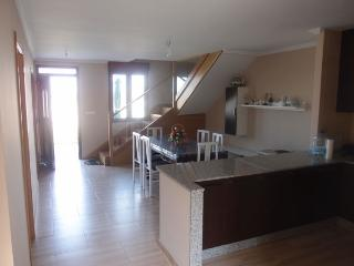 CA-0004 Casa con amplio jardín, 4 dormitorios, Illa de Arousa