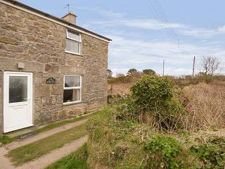 BLACKBERRY COTTAGE, traditional, beams, shared garden, parking near Saint Ives, Ref. 20667, St Ives