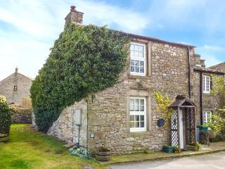 PEMBA COTTAGE, woodburning stove, pet-friendly, WiFi, in Threshfield, Ref 918110