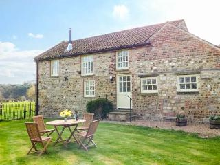 WESTWICK EDGE COTTAGE, en-suite, woodburner, single-storey, superb property in Bishop Monkton, Ref. 921446
