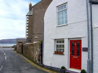 THE OLD FIRE STATION, town centre location, woodburner, pet-friendly, stylish, Beaumaris