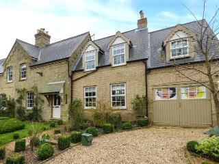 1 MANOR FARM COTTAGE, semi-detached, two woodburners, lawned garden, near Downham Market, Ref 923033
