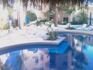 Nice apartment close to the Beach!, Cabo San Lucas