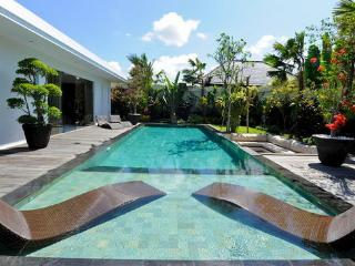 #KF3 Complex of splendid modern and exotic villas 6BR, Seminyak