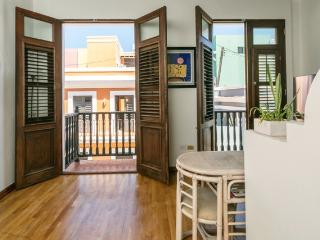 Los Balcones : a cozy one bedroom on Sol Street
