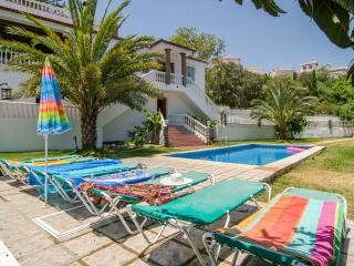 V01 STUNNING & BEAUTY WITH AMAZING POOL, Nerja