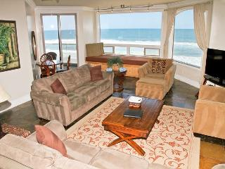 Luxury Oceantfront rental, 6br/5ba, Spa/Rooftop deck, Large Kitchen P908-3R, Oceanside