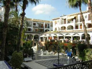 Villamartin plaza apartment south facing.