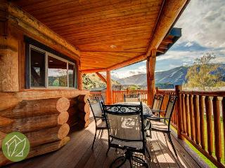 Sutree Lakehouse Gorgeous Log Waterfront Home by Sage Vacation Rentals