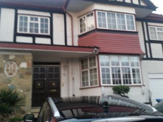 Wembley Park Magnificent 4 Bed near Satation