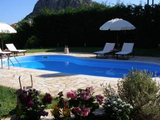 Modern Villa Private pool garden bbq ac wifi 5'sea, Nafplio