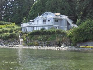 Beach House Salt Spring -  Sunrise Suite!