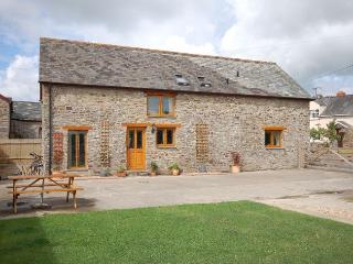 ROSIE Barn situated in Clovelly (4.5mls S)