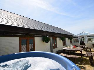SVKIN House situated in Looe (1.5mls NE)