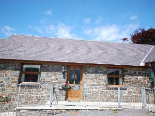 TYBYR Barn situated in Aberystwyth (6mls SE)