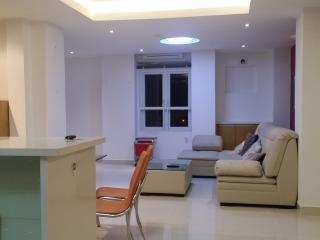 Beautiful, clean, near beach private aparment, Nha Trang