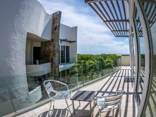 Ocean View Penthouse at Mamitas Beach, Playa del Carmen