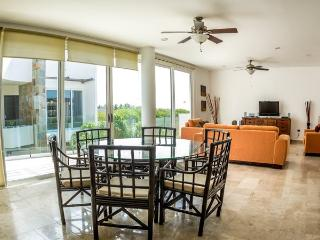 Spacious Penthouse at Mamitas Beach, Riviera Maya