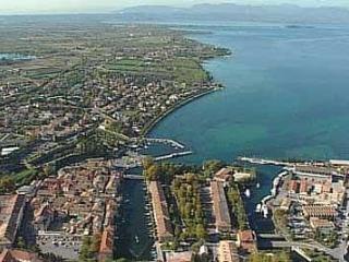 Peschiera del Garda:Antica,fiabesca, per la sua bellezza denominata la'La perla del lago di Garda'