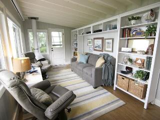 Gorgeous 2br/1ba Cottage- 100 ft. of lake shoreline on Skaneateles Lake, Moravia