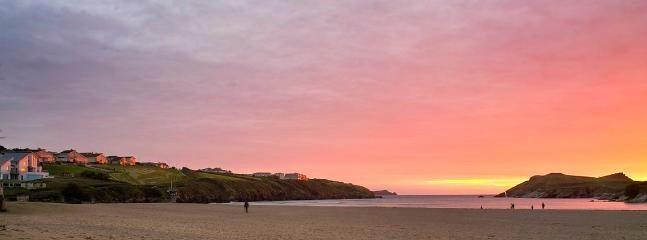 AMAZING SUNSETS AT PORTH BEACH  ---   this is a great location !