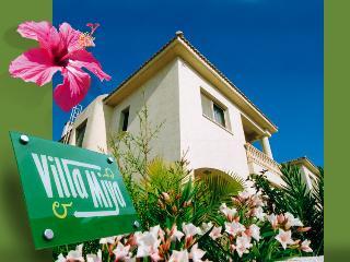 Villa Miya - No Hidden Extras! FREE WIFI, Mandria