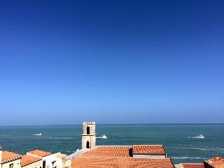 Bordonaro home balcony seaview, Cefalú