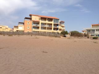 vue de l'immeuble par la plage