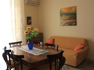Comfortable apartment in the center, Balestrate
