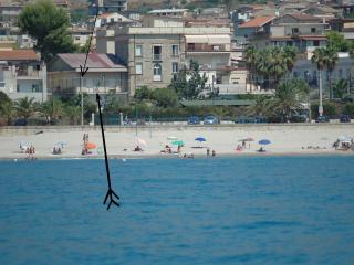 a 50 metri dal mar Jonio, Roccella Ionica