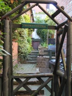 Courtyard gate