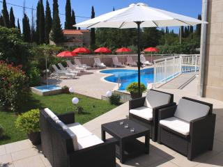 Apartments Grand Pinea, Cavtat