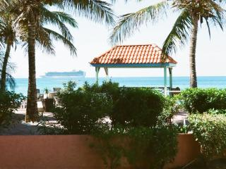 St.Maarten Condo by the beach-Pelican Key, Saint-Martin