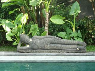 sleeping bouddha - villa in bali canggu area - near the beach