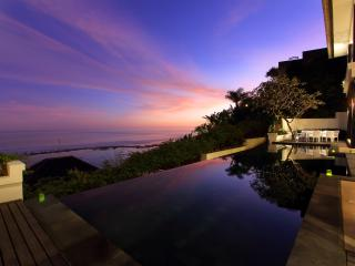 Stunning 3 Bedroom Indian Ocean View Villa, View Nusa Dua;
